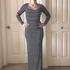Dresses & Skirts - Long sleeved Striped Dress